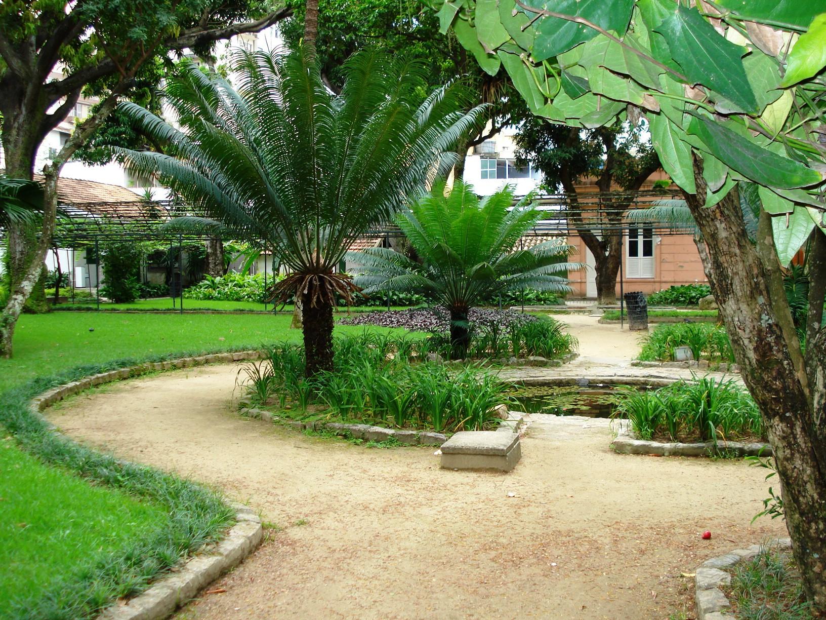 banco de jardim poesia:Lugares de encantamento