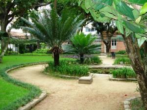 Jardim da Casa de Rui Barbosa com 1 dos laguinhos