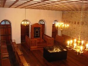 Interior da sinagoga; segundo andar.
