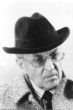 Escritor Piero Chiara (1913-1986)