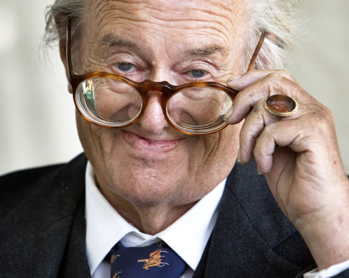 Escritor Sir John Mortimer, 2006, The Guardian