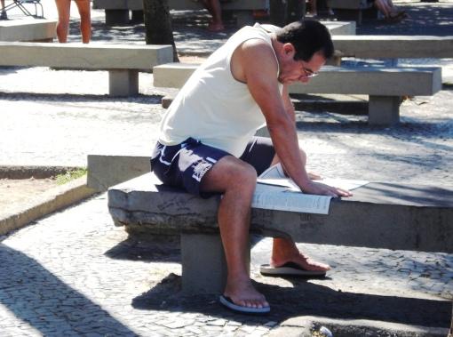 brasileiro-lendo-1513