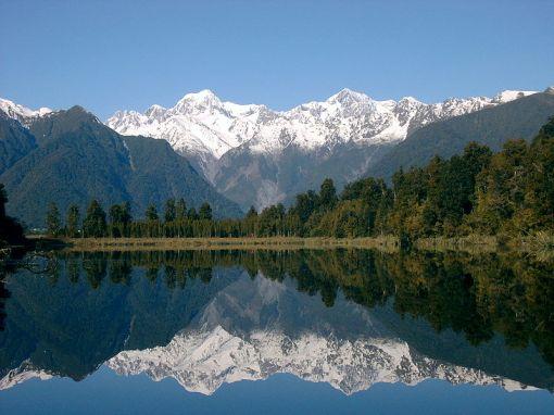 nova-zelandia-lago-matheson-com-reflexao-dos-picos-tasman-e-cook1