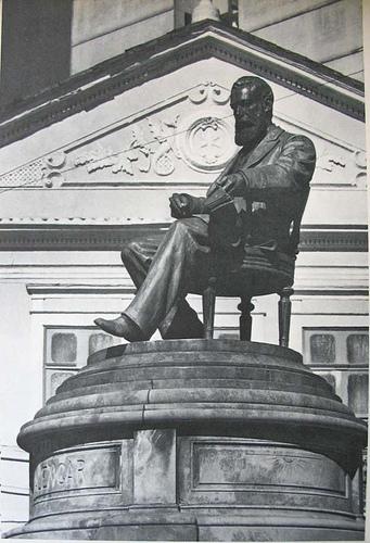 José de Alencar, estátua, foto de andrepcgeo, Flickr