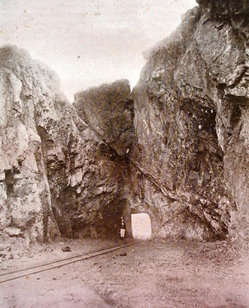 Minas, galeria de passagem para vagonetes