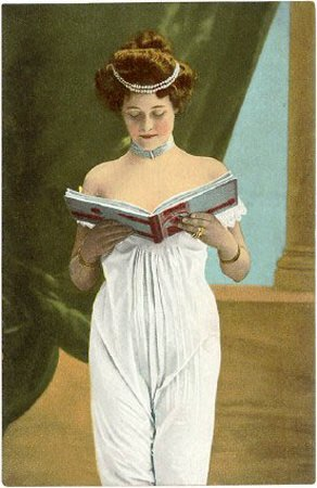 Victorian-Woman-Reading
