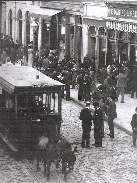 Bonde-movido-a-burro-1895-Rua15-de-Novembro