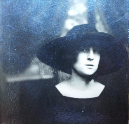 Vovó Albina, década de 20 -- 1920s