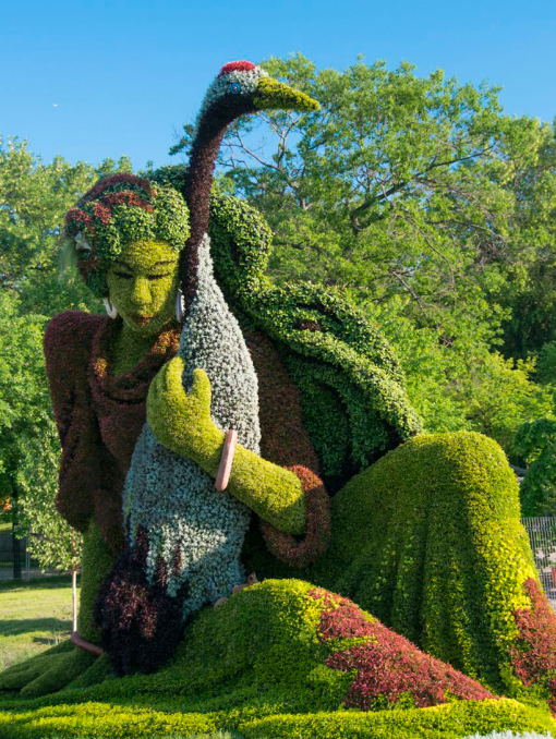 massive-hordicultural-sculptures-in-montreal-designboom-21