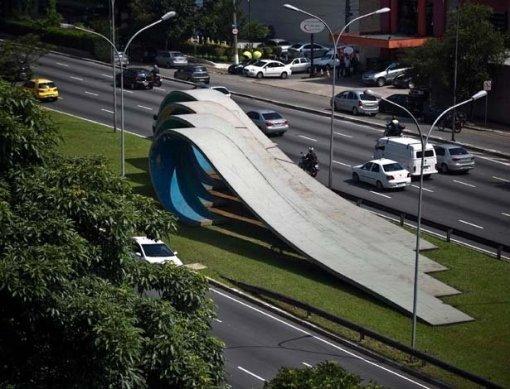 ondas-escultura-de-tomie-ohtake-na-avenida-23-de-maio-em-sao-paulo-1351710339365_615x470-thumb-800x611-49851