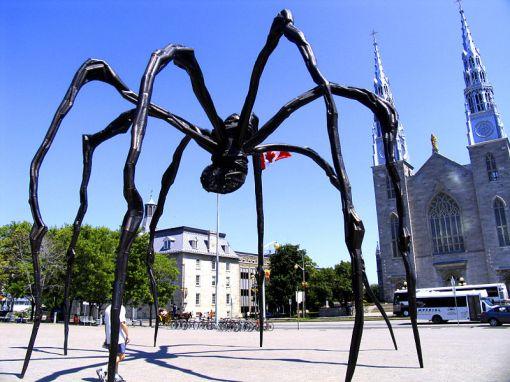 800px-Giant_spider_strikes_again!.jpg Louis Burgeois