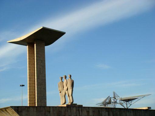 monumento_dos_pracinhas_-_halley_pacheco_de_oliveira_cc_wikimedia_-_18-11-2013