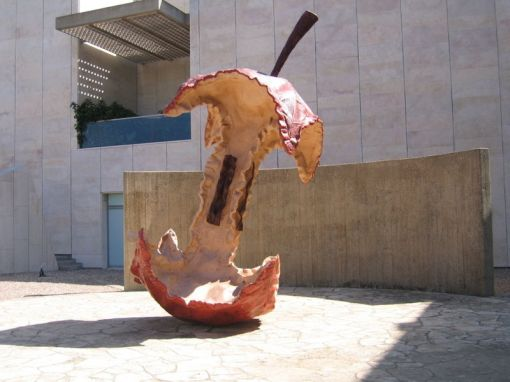 2 Claes Oldenburg The Apple Core at the Israel Museum, in Jerusalem