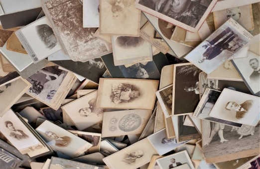 getty-pile-old-photos-58b9d29b5f9b58af5ca8ca8c