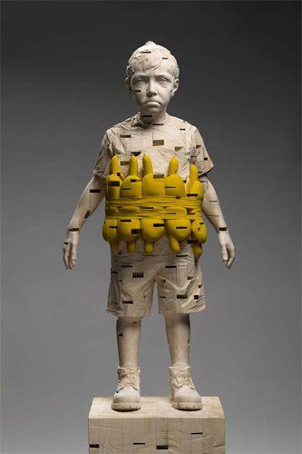 Gehard Demetz, (Itália, 1972 )My shadow can walk on water, 2012, 168 x 52 x 32 cm