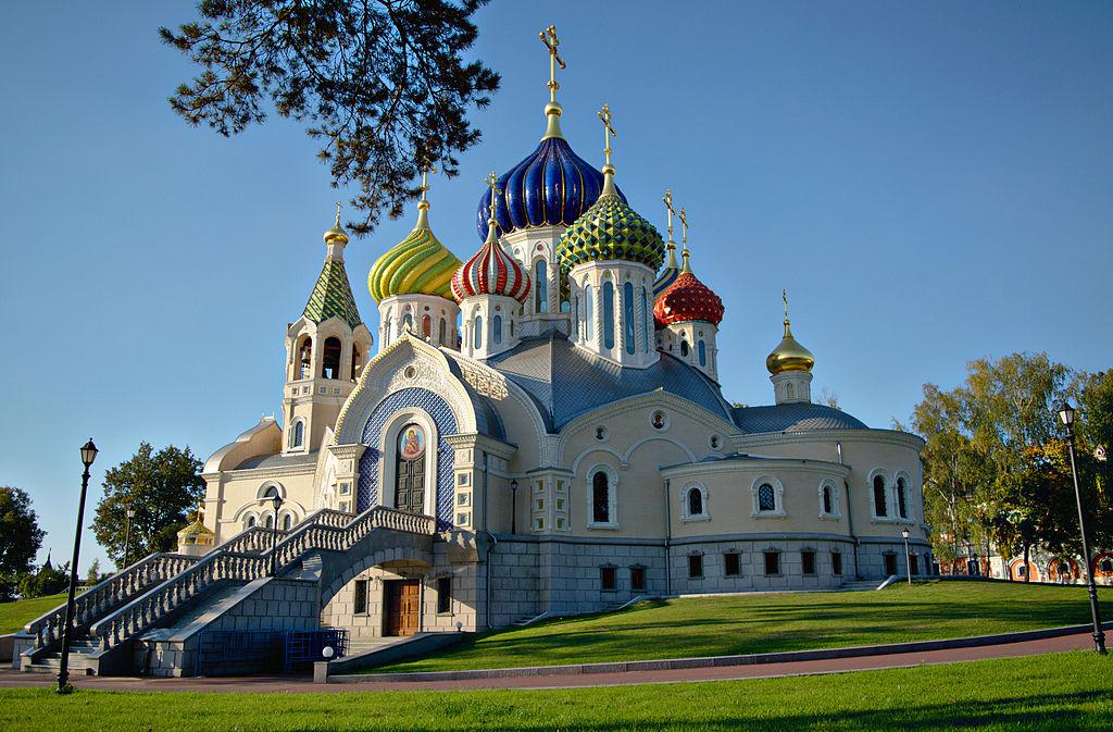 Church_of_the_Holy_Igor_of_Chernigov_(Novo-Peredelkino)_03_(HR)