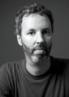 fotografia-do-editorial-mondadori-do-escritor-brasileiro-michel-laub-1364849951116_300x420